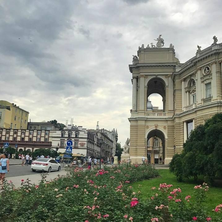 Одесская Театральная площадь
