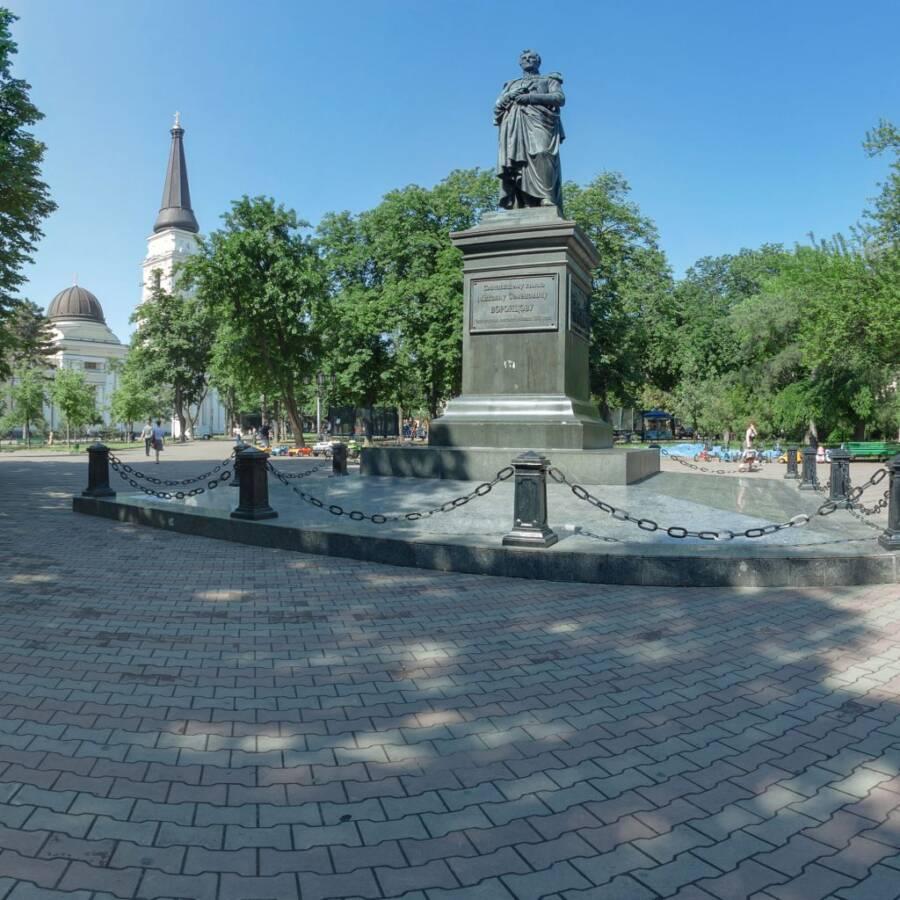 Памятник князю Воронцову в Одессе