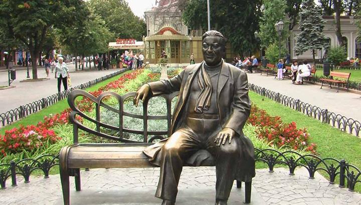 Памятник Утесову в одессе
