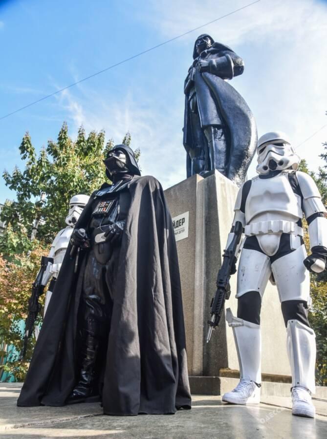 Памятник Дарт Вейдер Одеса