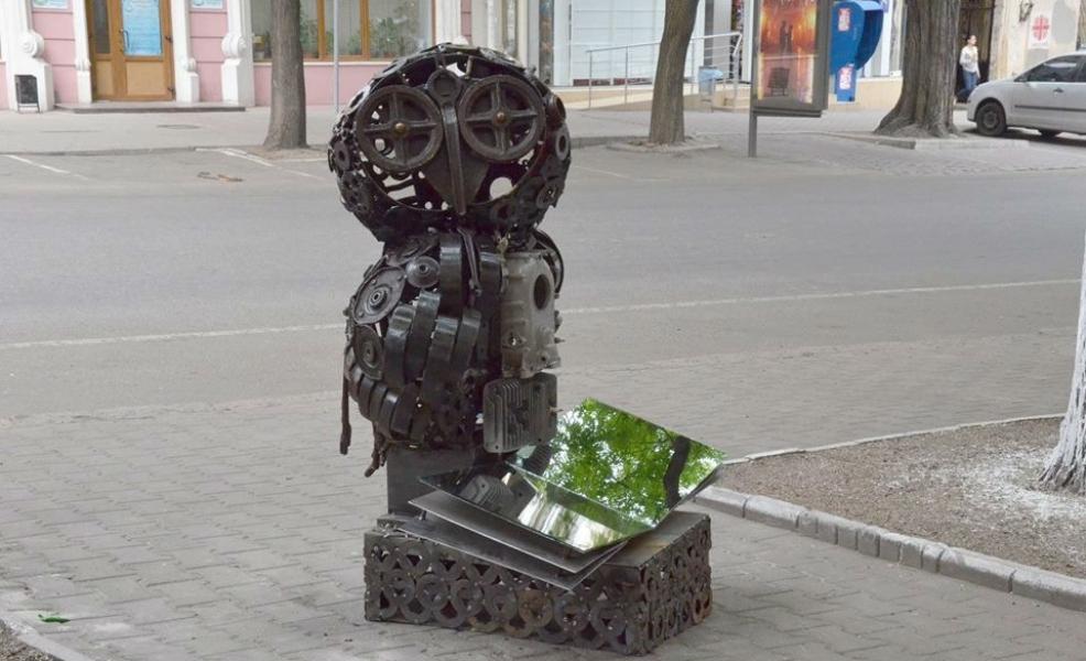 Скульптура сове Одесса